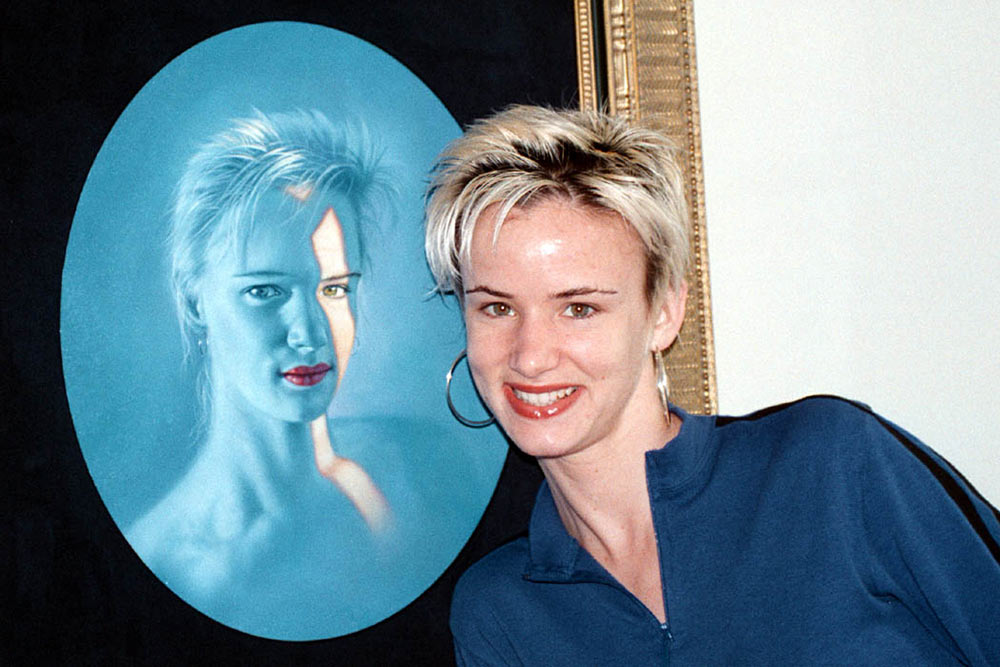 Juliette Lewis with her Jim Warren Painting